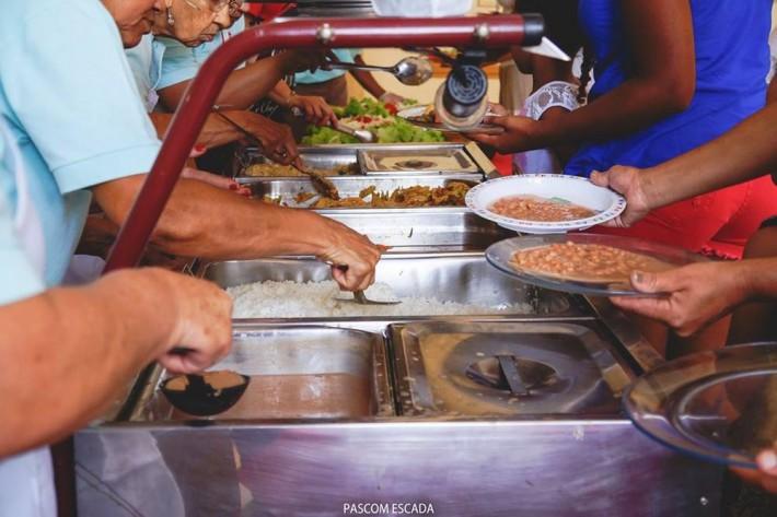 almoço_caritas..2015_007